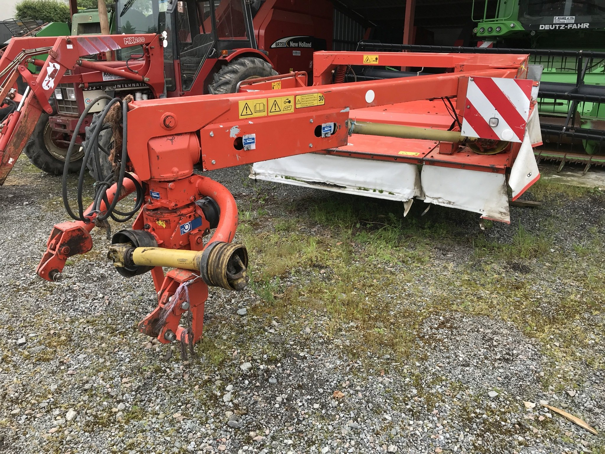 Faucheuse conditionneuse Kuhn FC250G - 1